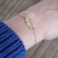 Bracelet fin plaqué or hippocampe femme Flor Amazona