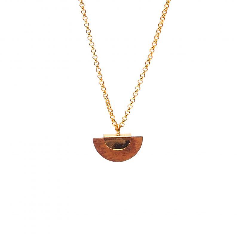 Collier ethnique plaqué or et bois en forme de demi-lune
