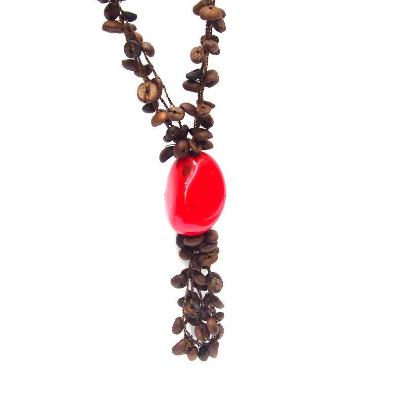 Collier et boucles d'oreilles ivoire végétal rouge grain de café