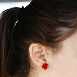 Boucles d'oreilles plaqué or verre de Murano rouge - porté