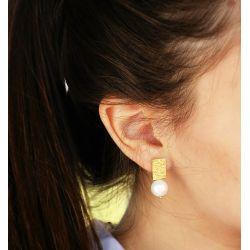 Boucles d'oreilles plaqué or perles goutte d'eau - porté
