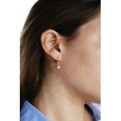 Boucles d'oreilles plaqué or Perle rose - porté