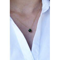 Pendentif pierre Œil de chat vert - porté