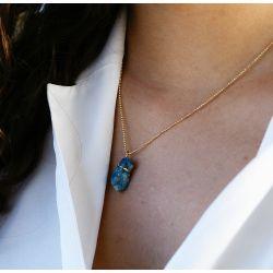 Collier plaqué or Agate bleue - porté