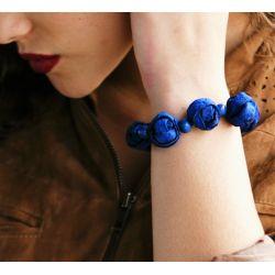 Bracelet peau d'orange bleu femme - porté