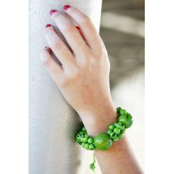 Bracelet vert graines asahi et bonbonne femme - porté