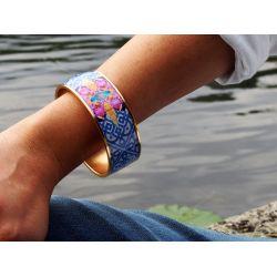 Bracelet cerclé porté plaqué or Enamel gold_femme_Flor Amazona