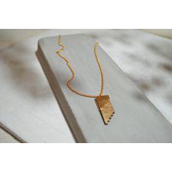 Collier ethnique en bois Or du Zenú présentation chic
