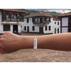 Bracelet ethnique plaqué argent Watis avec fond village colonial colombien