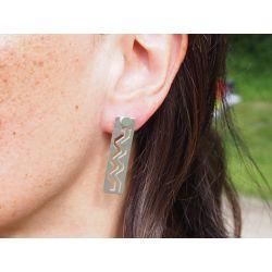 Boucles d'oreilles ethniques plaqué argent Watis portées