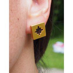 Boucles d'oreilles ethniques plaqué or Dividivi portées