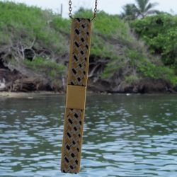 Sautoir ethnique plaqué or Quinciano avec décor mer des Caraïbes et foret tropicale