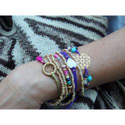 Bracelet multirang multicolore porté femme